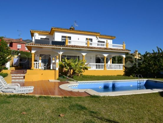 Buy Marbella villa with 5 bedrooms | Escanda Properties