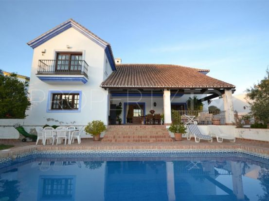Villa for sale in El Paraiso | Escanda Properties