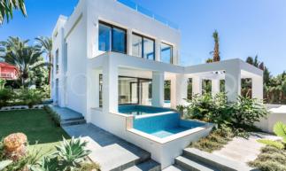 Marbella Golden Mile 4 bedrooms chalet for sale | Escanda Properties