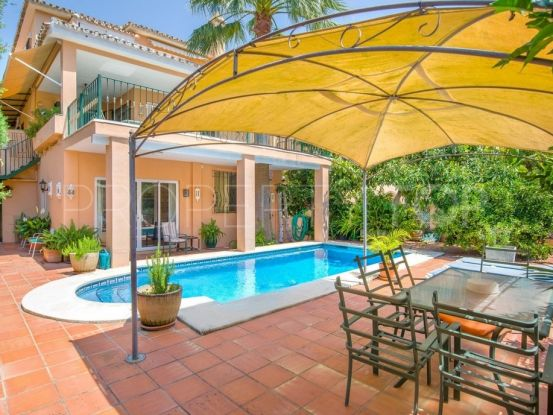 For sale Marbella chalet with 3 bedrooms | Escanda Properties