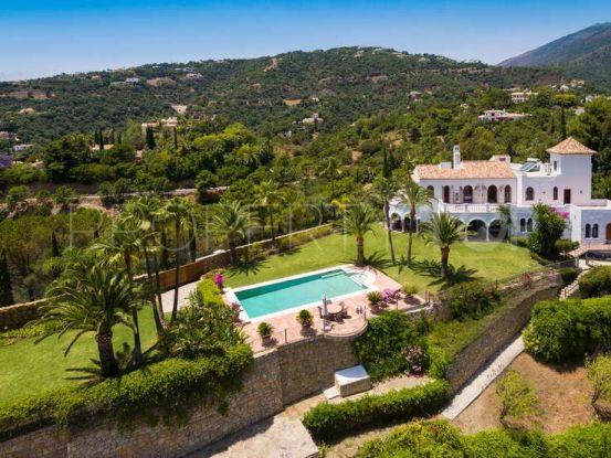 For sale chalet with 5 bedrooms in El Madroñal, Benahavis | Escanda Properties