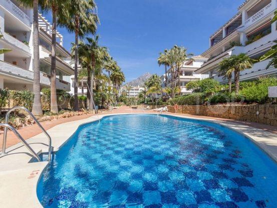 For sale apartment in Las Cañas Beach, Marbella Golden Mile | Escanda Properties