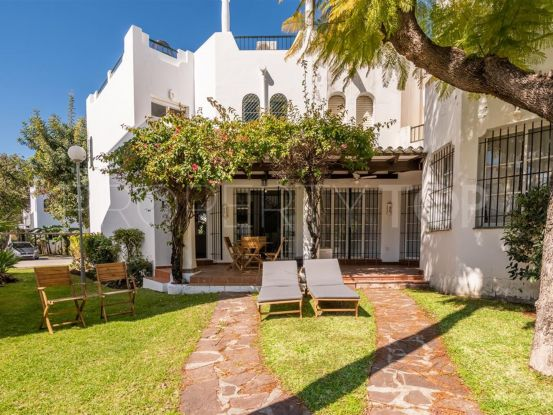 For sale town house with 3 bedrooms in Sol Europa, Nueva Andalucia   Escanda Properties