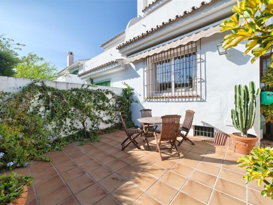 For sale town house in San Pedro de Alcantara with 3 bedrooms | Escanda Properties