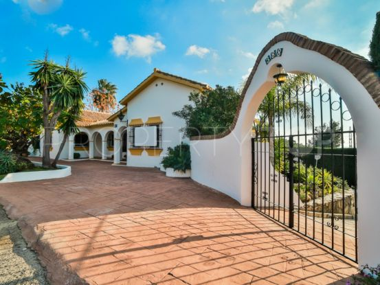 Buy house in El Rosario, Marbella East | Escanda Properties