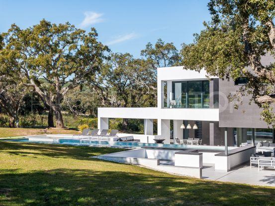 For sale villa in San Roque Club | Consuelo Silva Real Estate