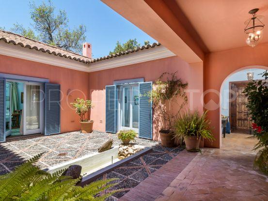 Villa for sale in Los Altos de Valderrama, Sotogrande | Consuelo Silva Real Estate