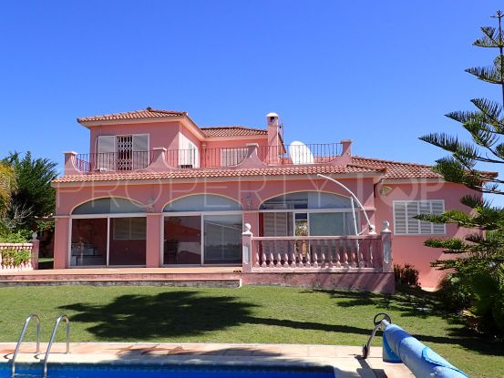Buy Pueblo Nuevo de Guadiaro villa with 3 bedrooms | Consuelo Silva Real Estate