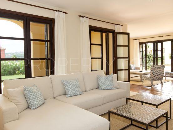 Villa in Los Cortijos de la Reserva with 4 bedrooms | Consuelo Silva Real Estate