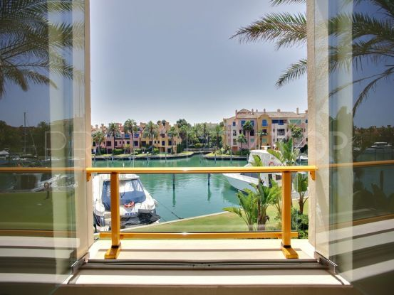 For sale apartment with 3 bedrooms in Ribera de la Nécora, Sotogrande | Consuelo Silva Real Estate