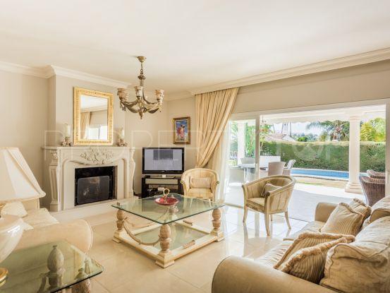For sale villa with 4 bedrooms in Parcelas del Golf, Nueva Andalucia | Callum Swan Realty