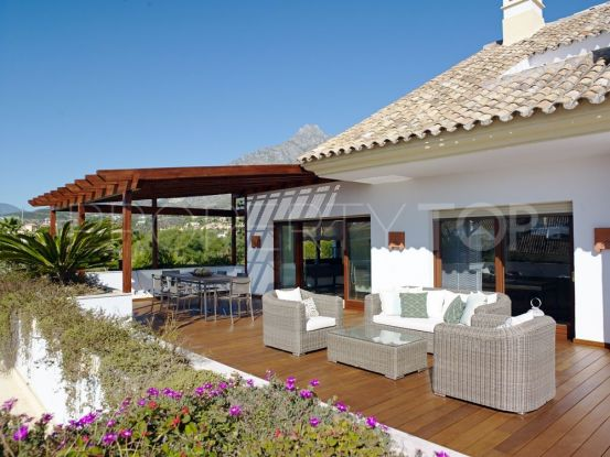 Apartment for sale in Marbella Golden Mile with 4 bedrooms | Benimar Real Estate