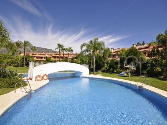 Town house with 4 bedrooms for sale in Marbella Golden Mile | Benimar Real Estate