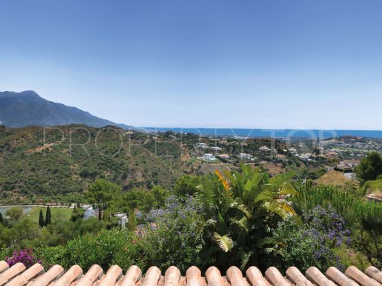 Town house for sale in La Quinta, Benahavis | Excellent Spain