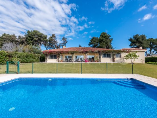 Buy 4 bedrooms villa in Reyes y Reinas, Sotogrande | Holmes Property Sales