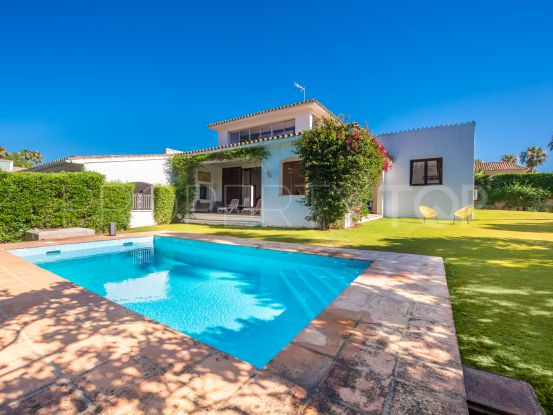 Villa for sale in Reyes y Reinas with 5 bedrooms | Holmes Property Sales