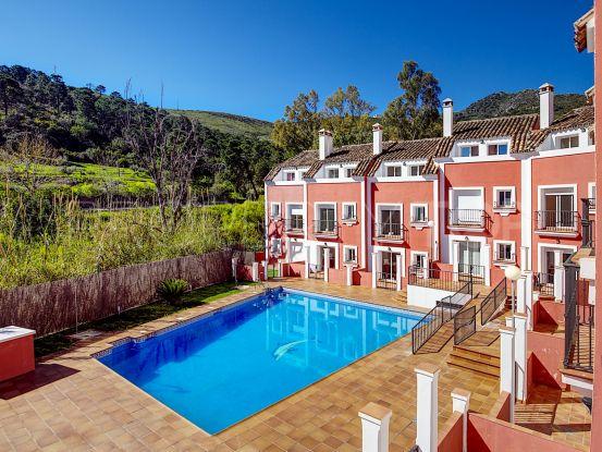 Comprar adosado en Benahavis Centro de 3 dormitorios   Marbella Unique Properties