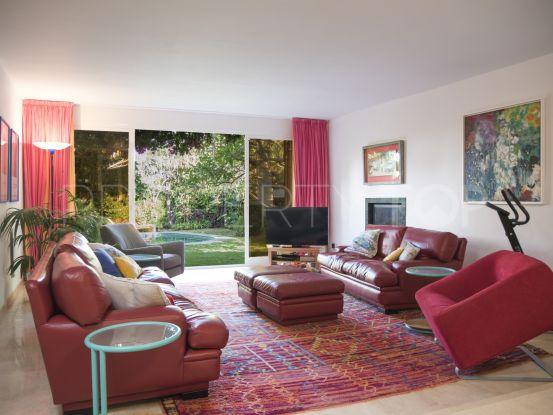 For sale town house with 4 bedrooms in San Pedro Playa, San Pedro de Alcantara | Marbella Unique Properties