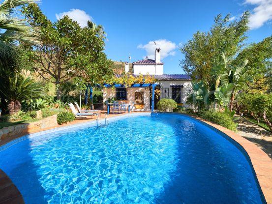 For sale villa in Los Reales - Sierra Estepona | Marbella Unique Properties