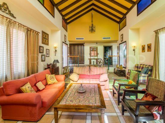For sale Hacienda las Chapas 5 bedrooms villa | Marbella Unique Properties