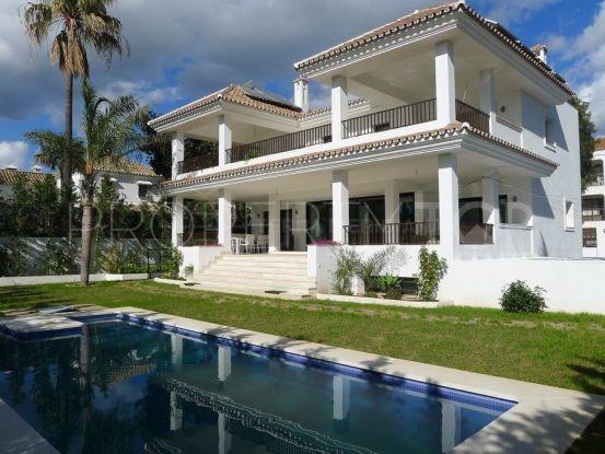 Se vende villa en Cortijo Blanco de 4 dormitorios | Inmobiliaria Luz