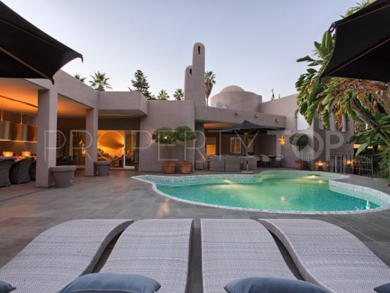 Villa with 5 bedrooms for sale in Atalaya, Estepona | Inmobiliaria Luz