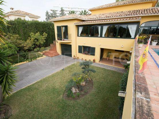 Buy 4 bedrooms villa in Guadalmina Alta, San Pedro de Alcantara | Inmobiliaria Luz