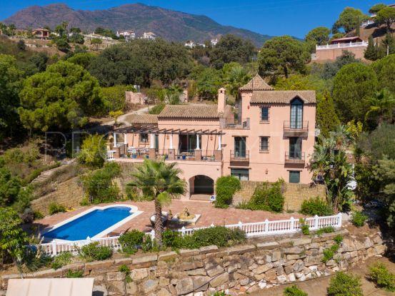 Buy 4 bedrooms villa in Los Reales - Sierra Estepona | Inmobiliaria Luz