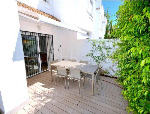 For sale Los Naranjos de Marbella 3 bedrooms town house | Inmobiliaria Luz