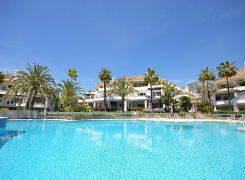 For sale 5 bedrooms apartment in Monte Paraiso, Marbella Golden Mile | Inmobiliaria Luz