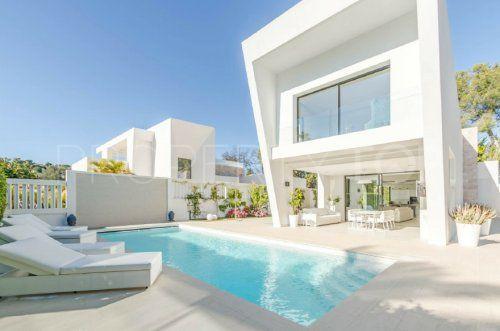Villa for sale in Las Brisas with 4 bedrooms | Inmobiliaria Luz