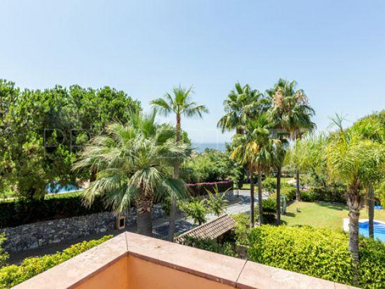 Buy villa with 4 bedrooms in Altos Reales, Marbella Golden Mile | Inmobiliaria Luz