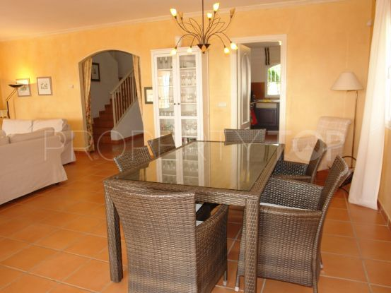 4 bedrooms villa in El Paraiso | Inmobiliaria Luz