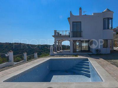 For sale villa in Nueva Andalucia, Marbella | Inmobiliaria Luz