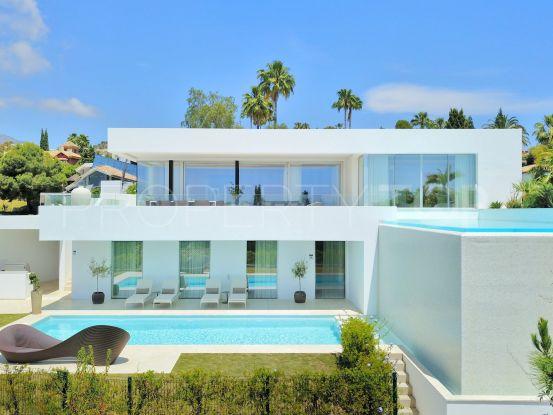 Villa con 6 dormitorios a la venta en El Herrojo, Benahavis | Inmobiliaria Luz