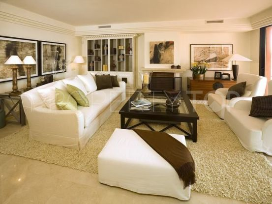 3 bedrooms penthouse for sale in La Alzambra | Lamar Properties