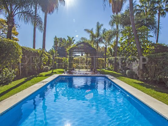 For sale semi detached villa in La Alzambra, Nueva Andalucia | Lamar Properties