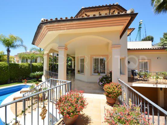 5 bedrooms villa in Altos Reales for sale | Cosmopolitan Properties