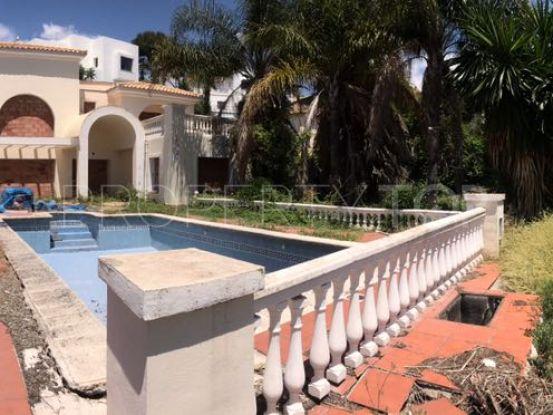 For sale villa with 4 bedrooms in El Paraiso, Estepona   Cosmopolitan Properties
