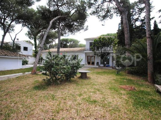 Villa for sale in La Carolina with 3 bedrooms | Cosmopolitan Properties