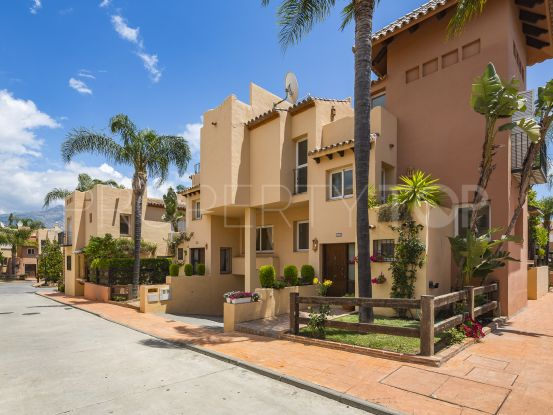 Condes de Iza town house with 3 bedrooms | CPI Kraft