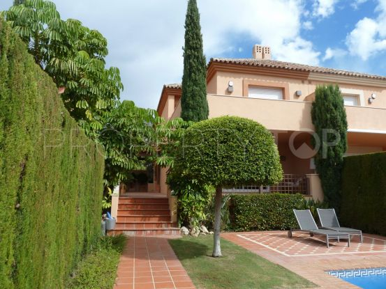Semi detached villa with 3 bedrooms in Altos de Puente Romano, Marbella Golden Mile | Vasari Properties