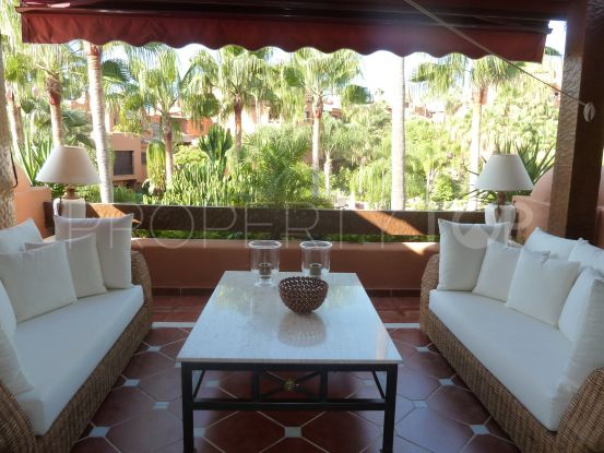 Duplex penthouse for sale in La Alzambra with 4 bedrooms | Vasari Properties