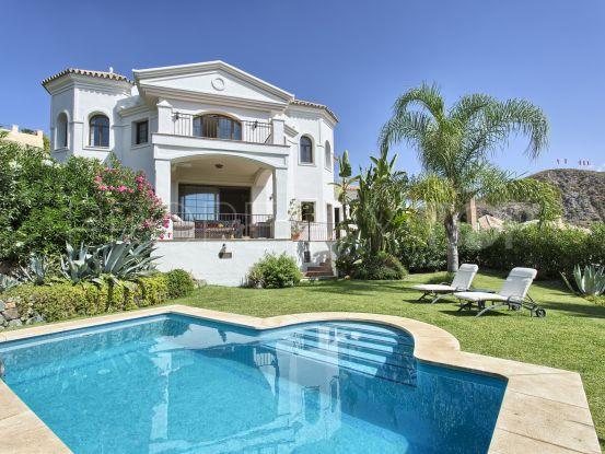 Se vende villa en Lomas de La Quinta de 4 dormitorios | Benarroch Real Estate