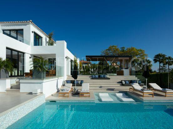 For sale Los Naranjos Golf villa with 5 bedrooms | Benarroch Real Estate