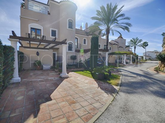 Paraiso Hills 4 bedrooms town house | Benarroch Real Estate