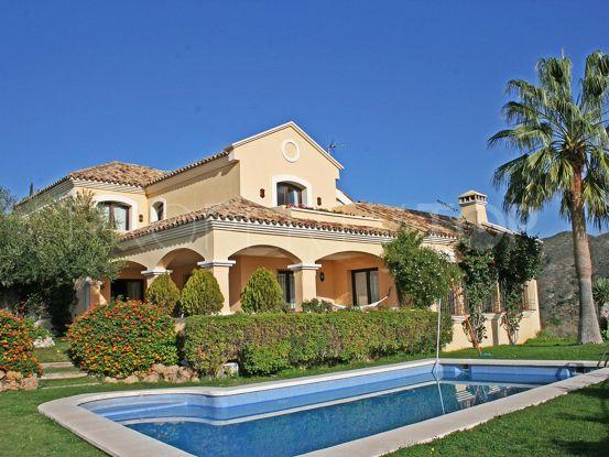 For sale Lomas de La Quinta villa | Benarroch Real Estate