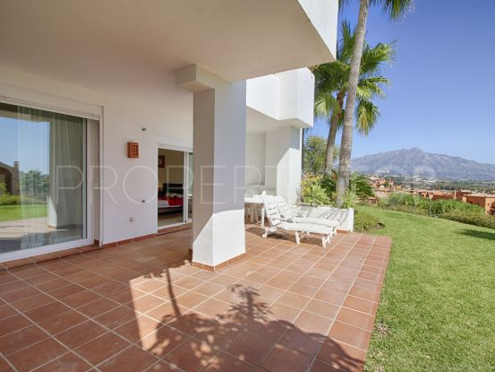 For sale ground floor apartment in Lomas del Marqués with 2 bedrooms | Benarroch Real Estate