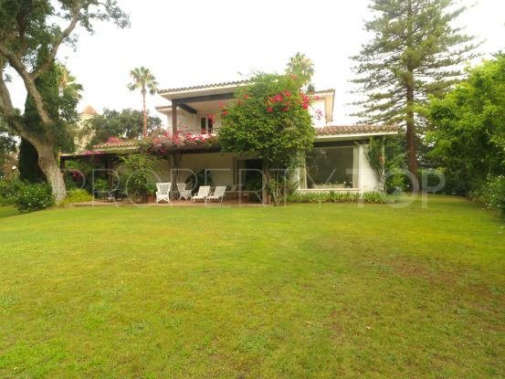 Sotogrande Costa 6 bedrooms villa for sale | SotoEstates
