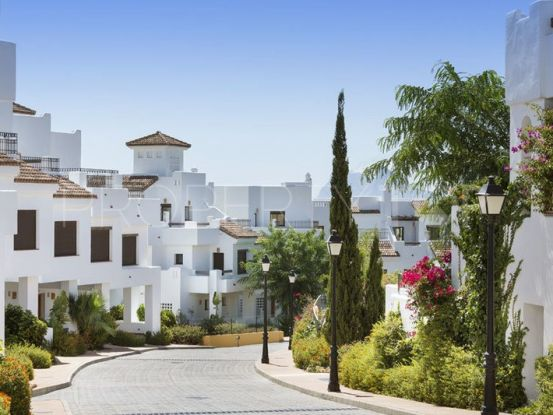 Town house for sale in Alcaidesa Costa | SotoEstates